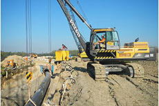 Volvo rotating pipelayer: in action in France