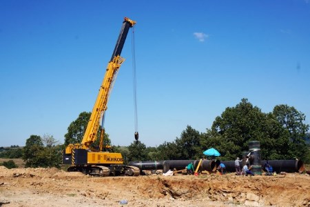 Telescopic-crawler crane works on TurkStream pipeline